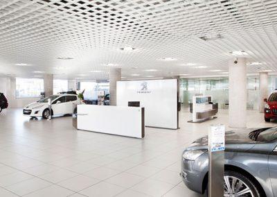 concesionario_de_coches_fabricacion_mobiliario