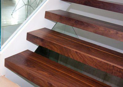 escaleras-madera-nogal