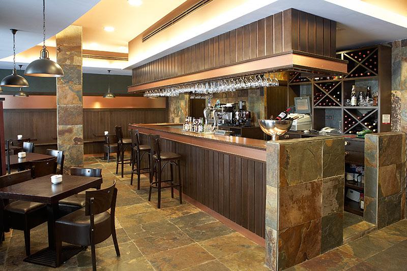 Proyecto restaurante ascuas pauferro muebles para for Mobiliario de restaurante