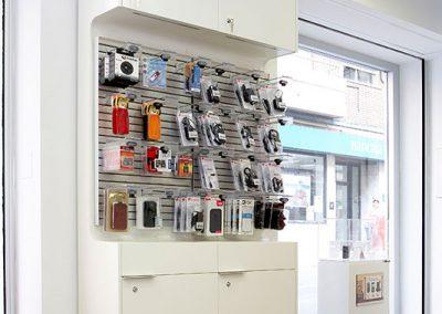 fabricacion_mobiliario_para_tiendas_vodafone