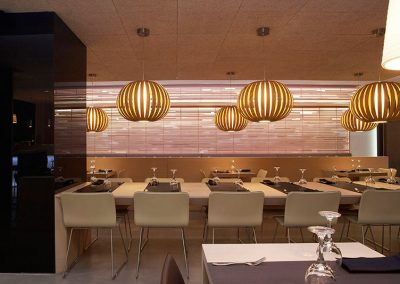 Mobilario restaurante Kumo