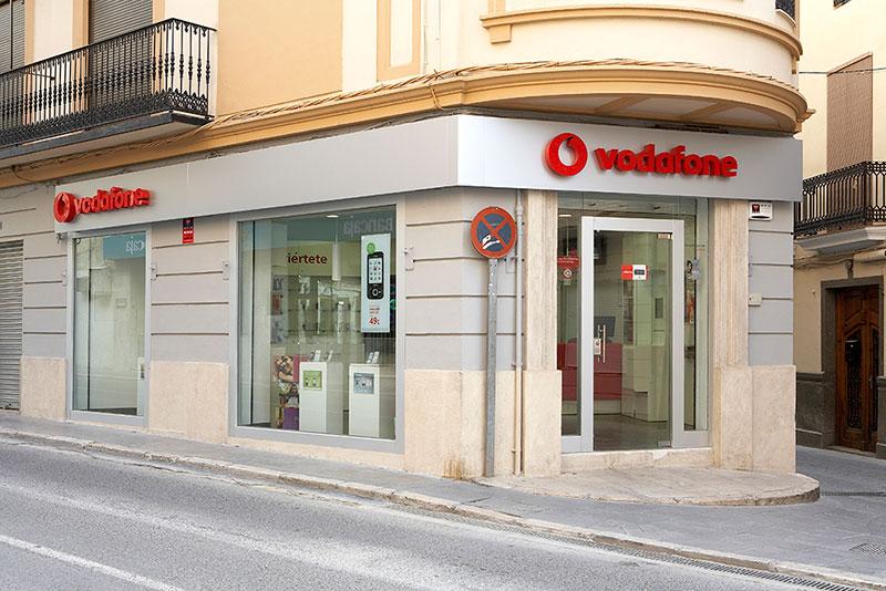Vodafone - Mobiliario comercial contract y muebles para ...