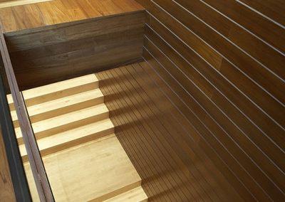 paredes_y_escaleras_de_madera