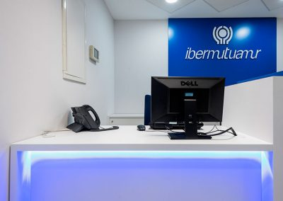 ibermutuamur-instalaciones-mesas
