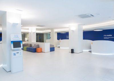 Mobiliario comercial BBVA - Pauferro