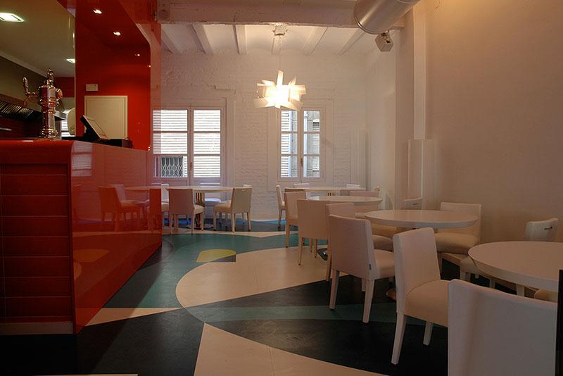 Restaurante boing boin en pauferro muebles para for Mobiliario de restaurante