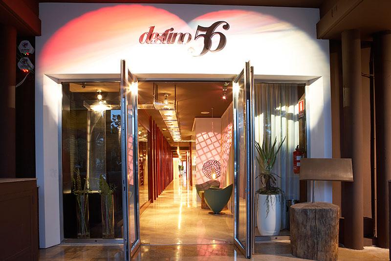 Proyecto destino 56 pauferro muebles para restaurantes y for Mobiliario para restaurante