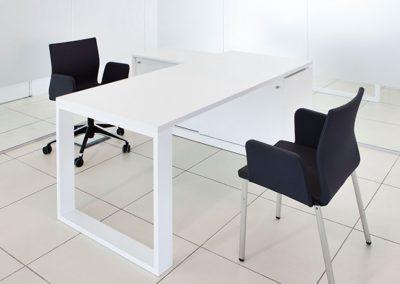 muebles_locales_comerciales_peugeout_las_tablas