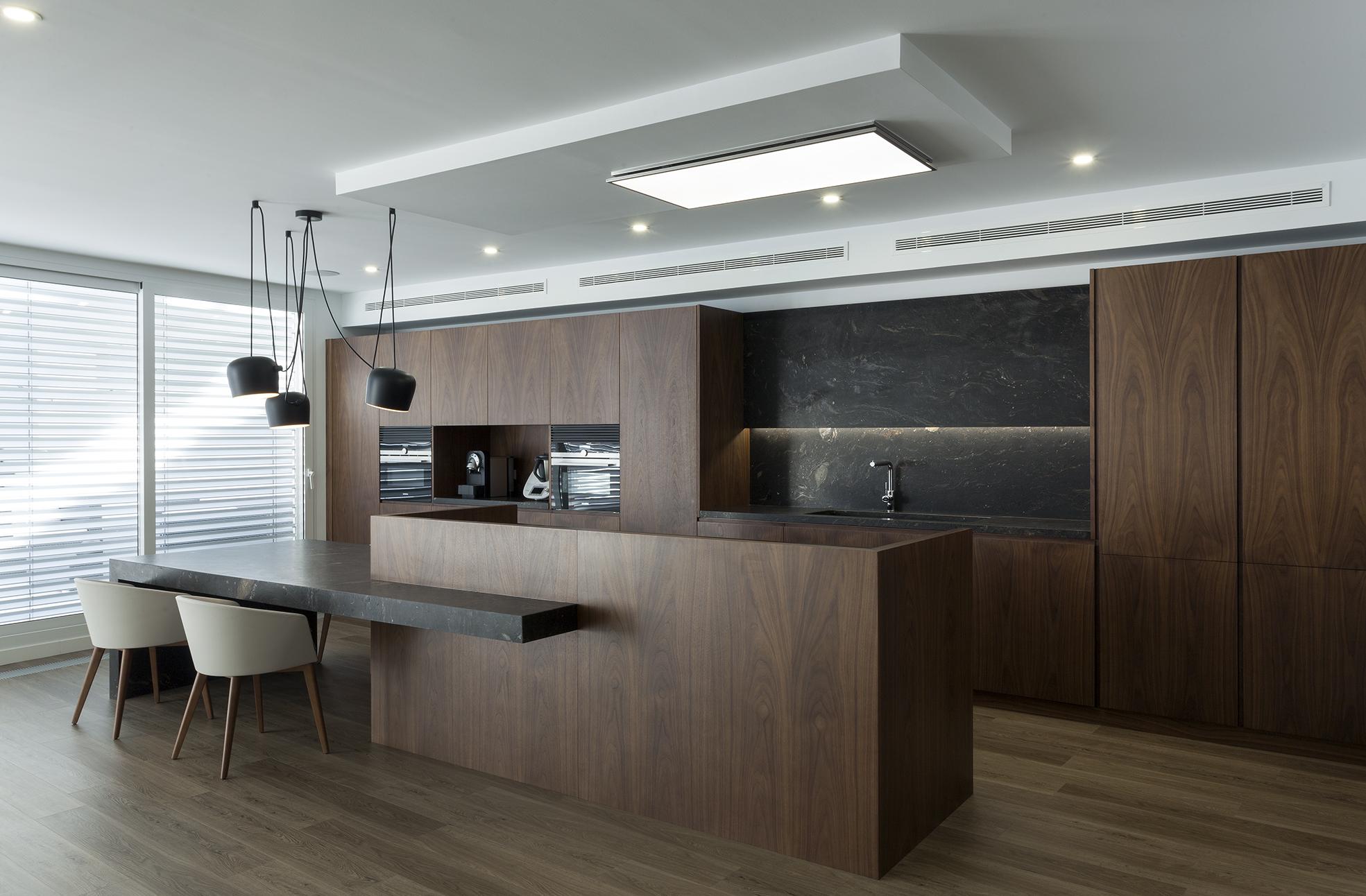 Vivienda valencia mobiliario comercial contract y for Franquicias de muebles